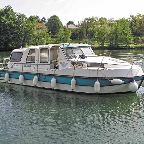 vedettes fluviales riviera location de bateaux fluviaux nicols. Black Bedroom Furniture Sets. Home Design Ideas