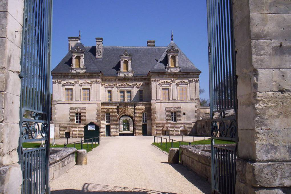 08-tanlay-chateau