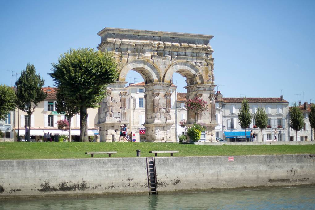 17-saintes-arc-germanicus