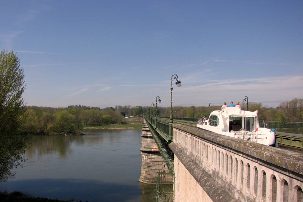 03b-pont-canal-briaire