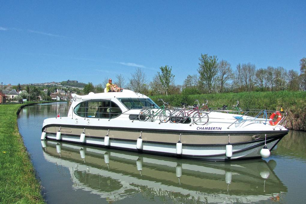 12-canal-lateral-loire-croisiere-fluviale
