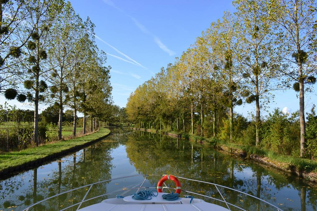 03-croisiere-fluviale-canal-lateral-loire
