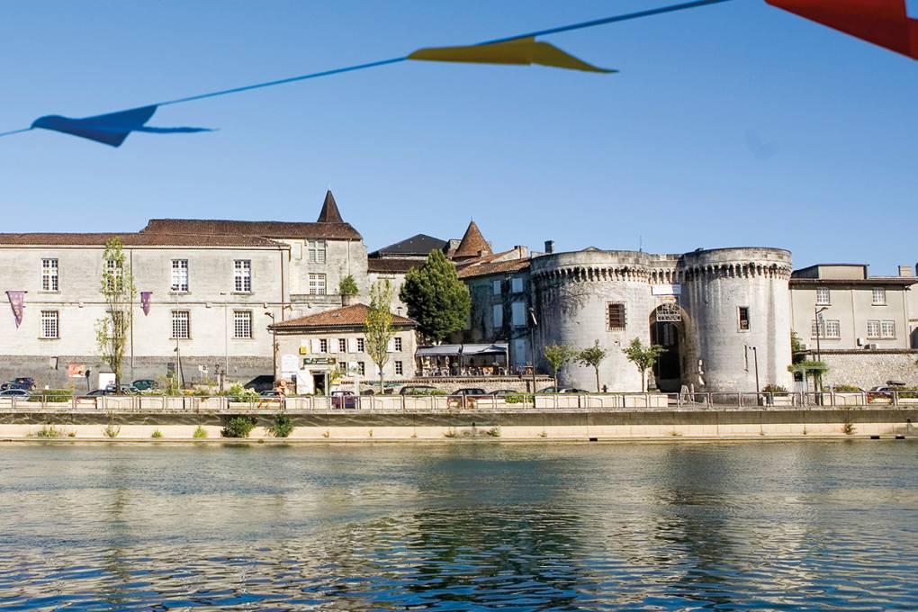 11-cognac-tours-st-jacques