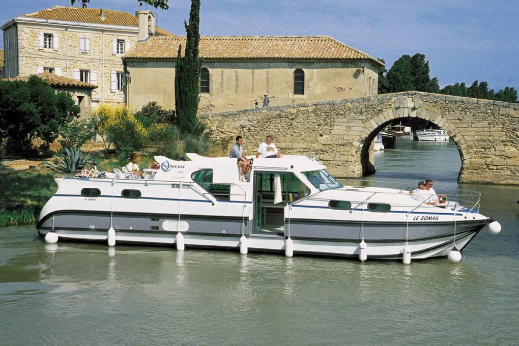 01-bateau-nicols-gamme-confort-1350-10-places