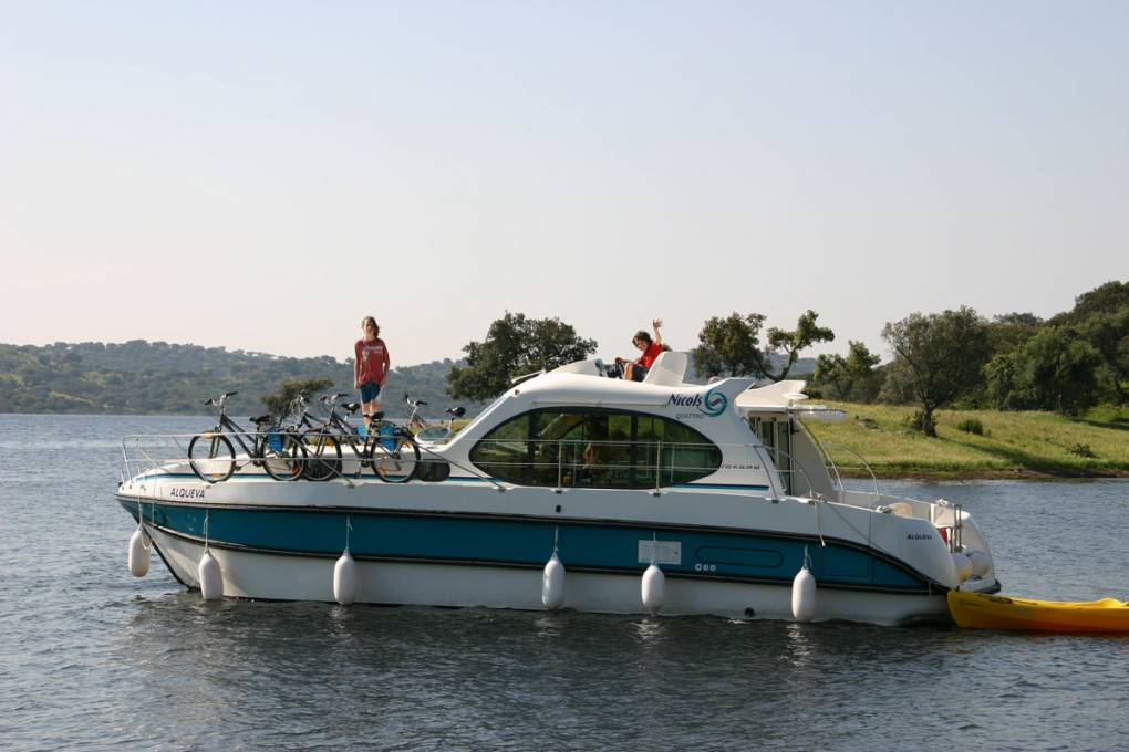 01-bateaux-fluviaux-nicols-gamme-estivale-quattro-6-places